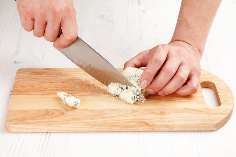 切青纹干酪 库存图片