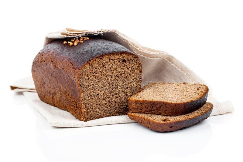 切黑麦面包 免版税图库摄影