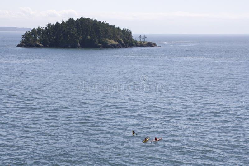划皮船海上 免版税库存照片