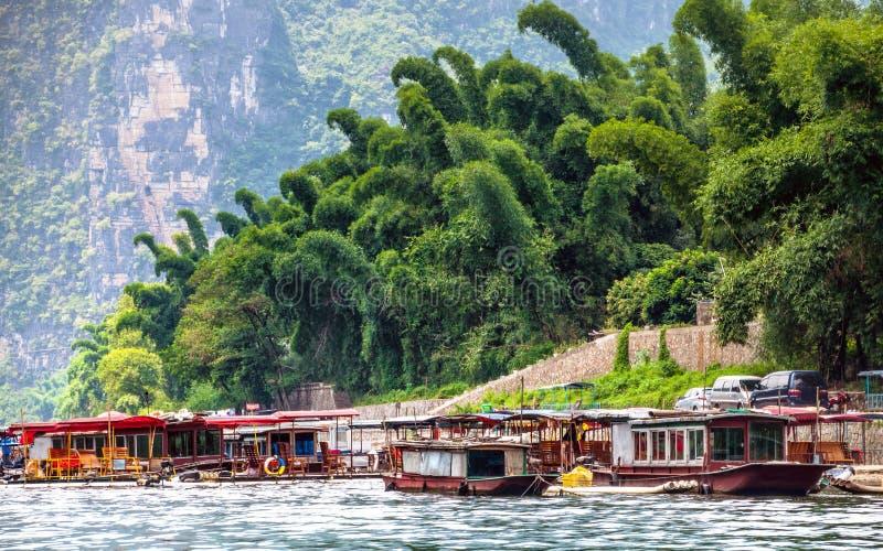 划船在桂林河 免版税库存照片