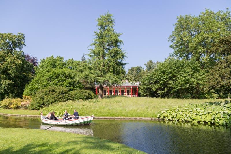 划艇在腓特烈斯贝公园,丹麦 库存图片