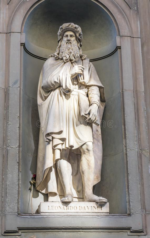 列奥纳多・达・芬奇雕象乌菲兹美术馆画廊佛罗伦萨托斯卡纳意大利 免版税库存图片
