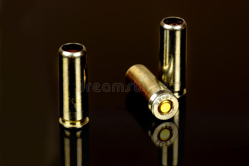 创伤枪关闭的弹药筒 图库摄影