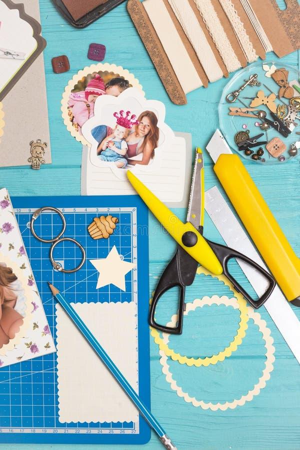 创造小孩子的册页的过程 库存照片