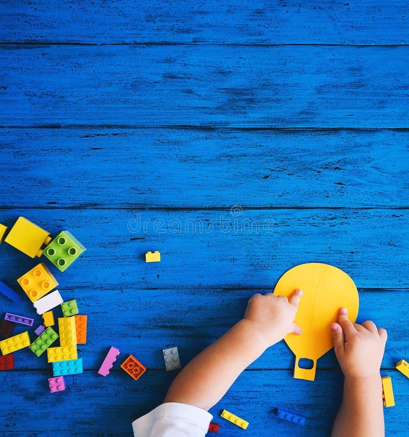 创造性的五颜六色的孩子的背景 库存图片