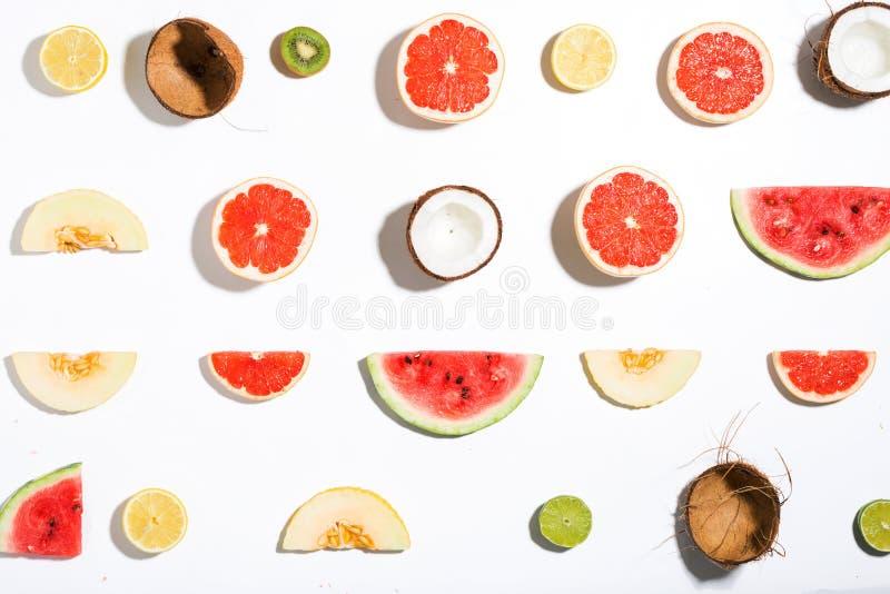 创造性的布局做了菠萝,西瓜,椰子,瓜, grap 库存图片