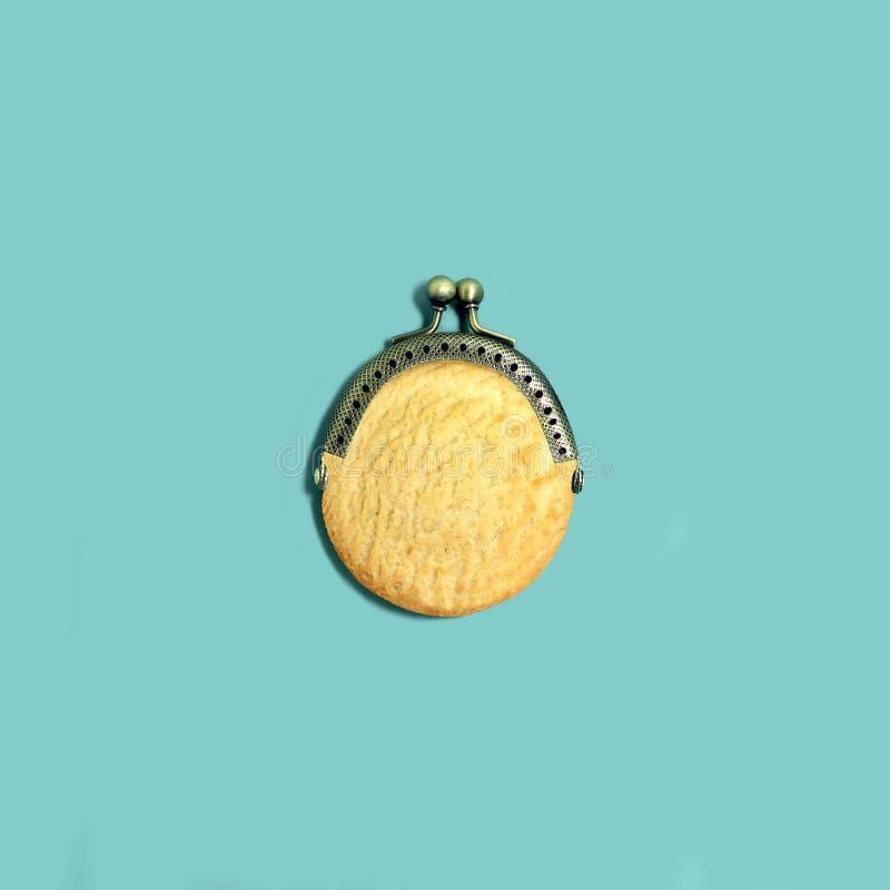 创造性的想法:作为钱包的脆饼 库存图片