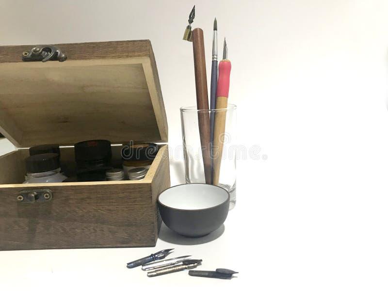 初学者` s书法工具箱艺术设备 免版税库存图片