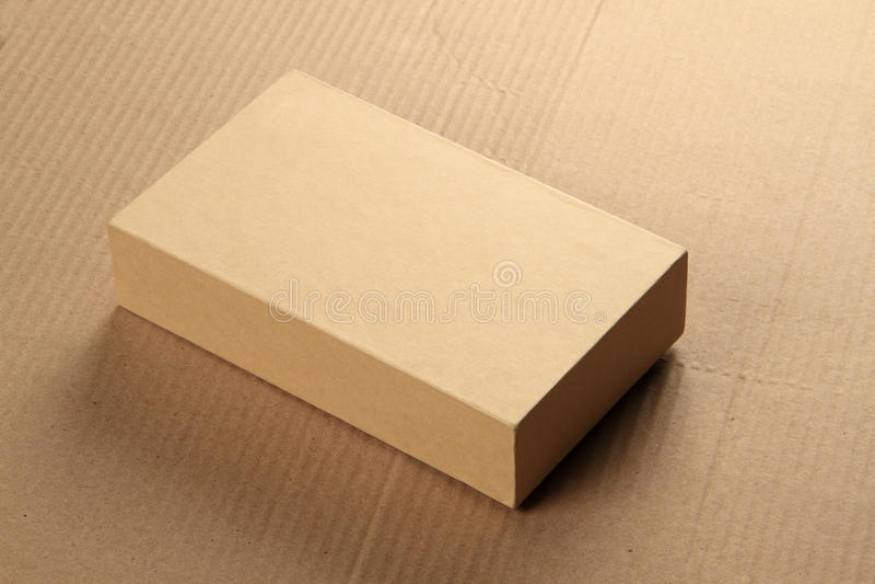 删去回收大模型的卡纸板箱子 免版税库存照片