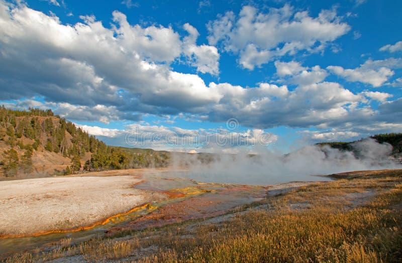 细刨花喷泉在黄石国家公园在怀俄明 库存照片