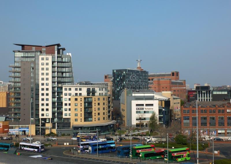 利兹猎物小山创造性的四分之一地区的一个空中都市风景视图有bbc总部和北芭蕾大厦的 库存图片