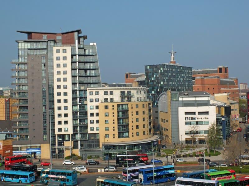 利兹猎物小山创造性的四分之一地区的一个空中都市风景视图有bbc总部和北芭蕾大厦的 库存照片