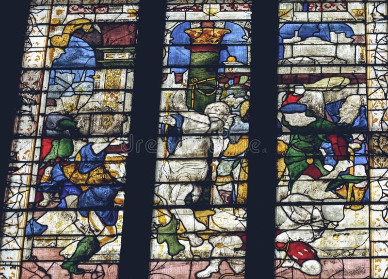 利奇菲尔德大教堂-在圣母堂的彩色玻璃内部  库存图片