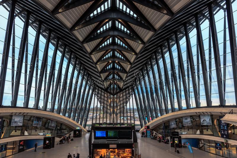 利昂机场的现代建筑学 库存照片