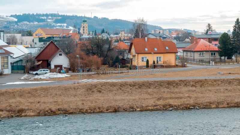 利普托夫斯基米库拉什 有河的斯洛伐克镇在冬天 免版税库存图片