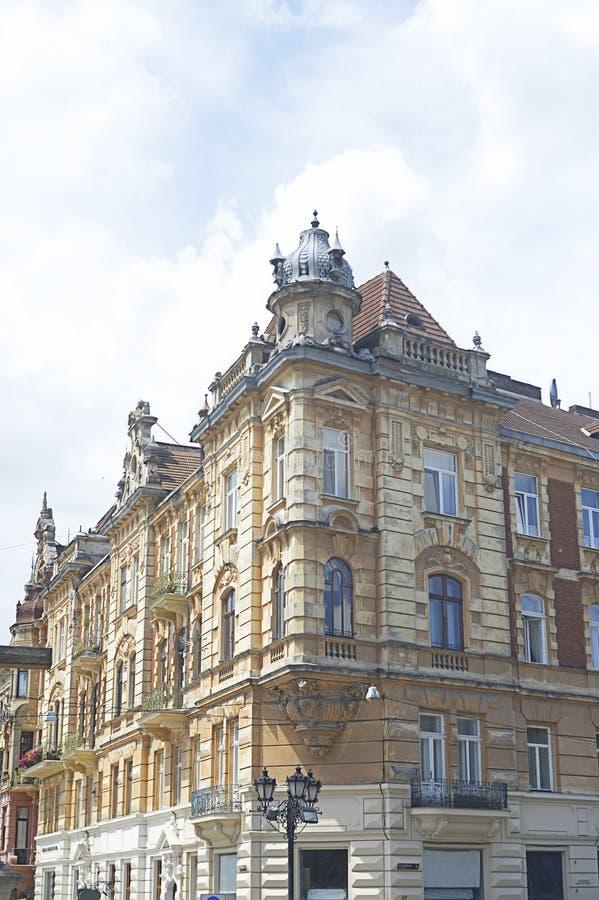 利沃夫历史悠久的米色石砌建筑 库存图片