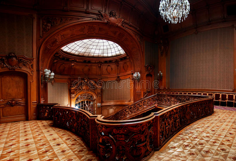 利沃夫州,乌克兰- 2015年11月16日, :科学家议院-一个前全国赌博娱乐场 2015年11月16日利沃夫州,乌克兰 库存照片
