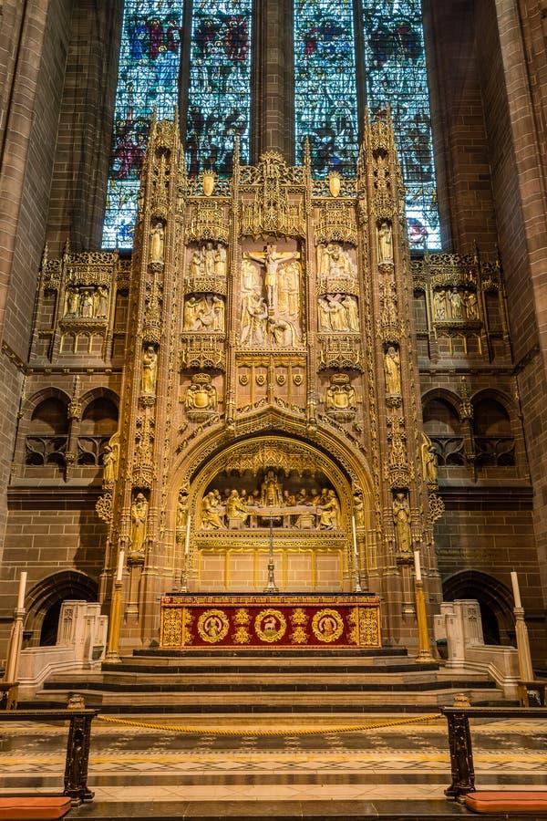 Download 利物浦大教堂法坛 编辑类图片. 图片 包括有 垂直, 宗教信仰, 历史记录, 宗教, 弄脏, 灵性, 设备 - 62535535