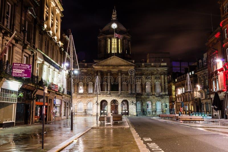 Download 利物浦市政厅在夜之前 图库摄影片. 图片 包括有 水平, 减速火箭, 秋天, 摄影, 英王乔治一世至三世时期 - 62535762