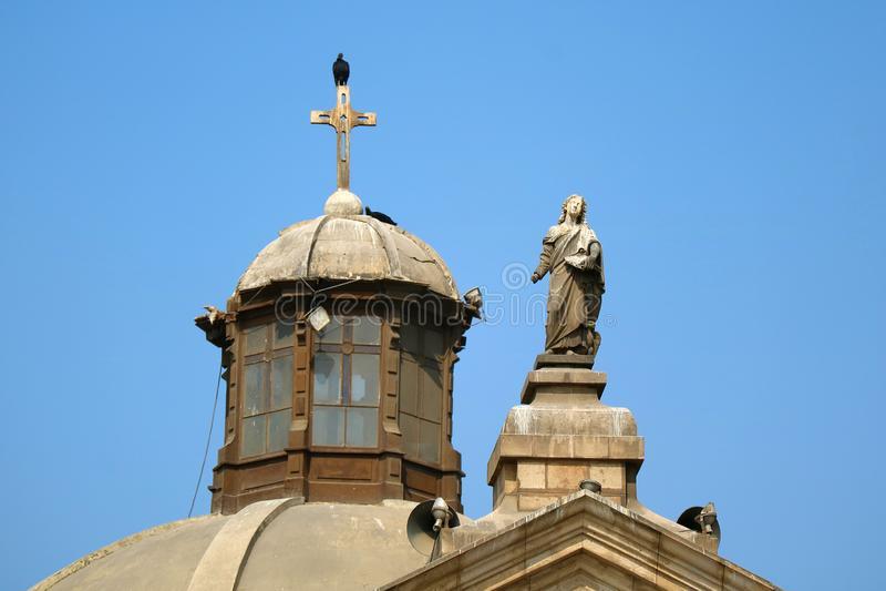 利马大教堂的华美的雕塑和圆顶在利马,秘鲁 库存照片