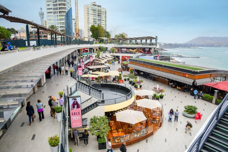 利马/秘鲁- 07 18 2017年:Larcomar购物中心 库存照片