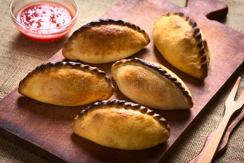 玻利维亚人Saltena肉酥皮点心 库存照片