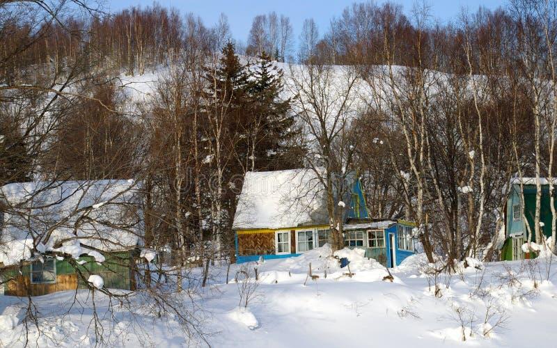 别墅寄宿萨哈林岛随风飘飞的雪 库存照片