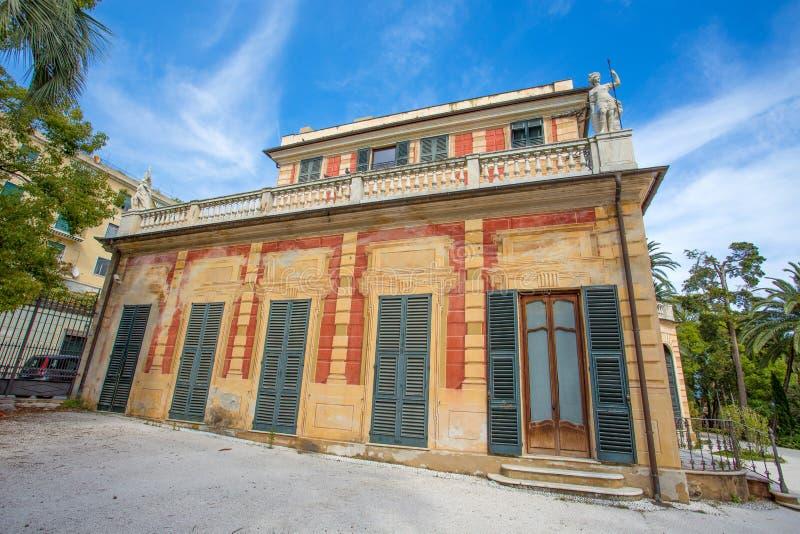 别墅萨卢佐Serra在热那亚Nervi,里面热那亚Nervi Groppallo公园,意大利 免版税库存图片