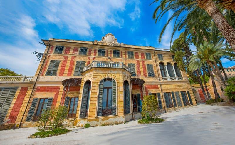 别墅萨卢佐Serra在热那亚Nervi,里面热那亚Nervi Groppallo公园,意大利 库存图片
