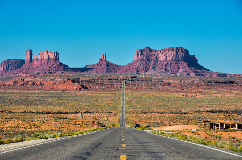 到纪念碑谷,亚利桑那,美国的旅行 免版税库存照片
