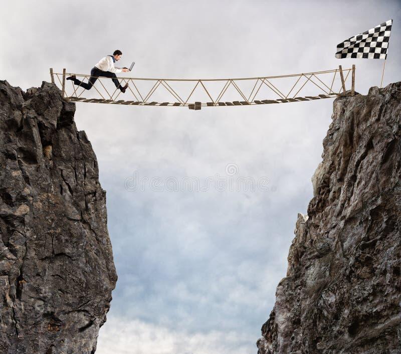 到达与困难的成功 成就企业目标和困难的事业概念 库存照片