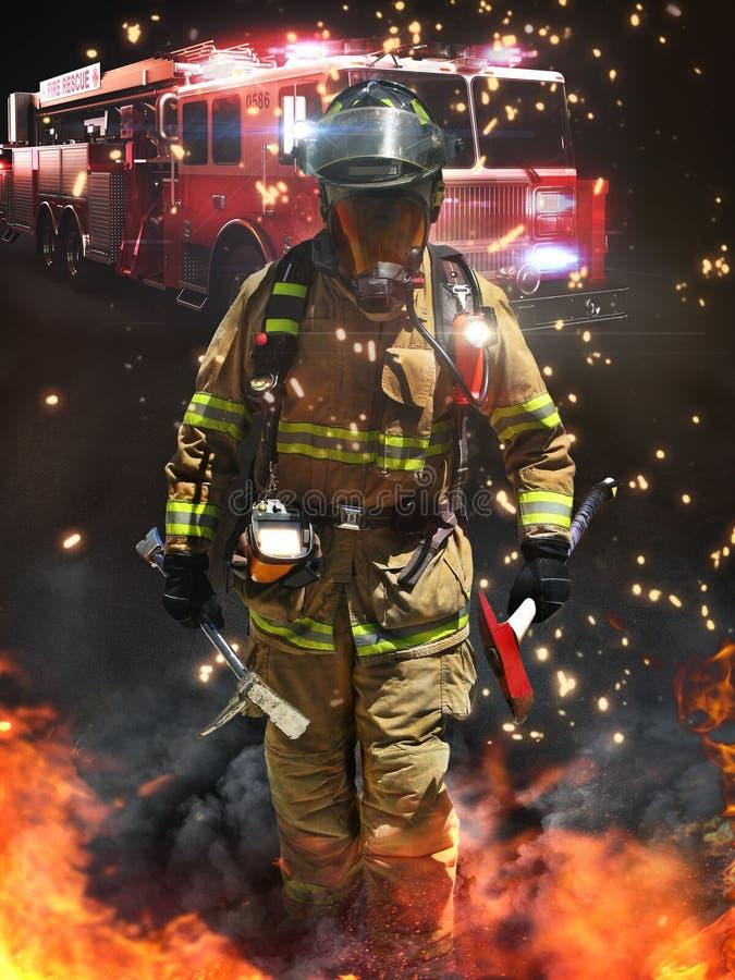 到达在一个危害场面的消防队员准备好争斗 免版税库存图片
