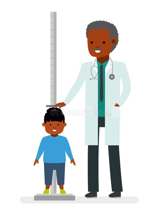 到医生的一次参观 医生测量儿童女孩患者的成长 皇族释放例证