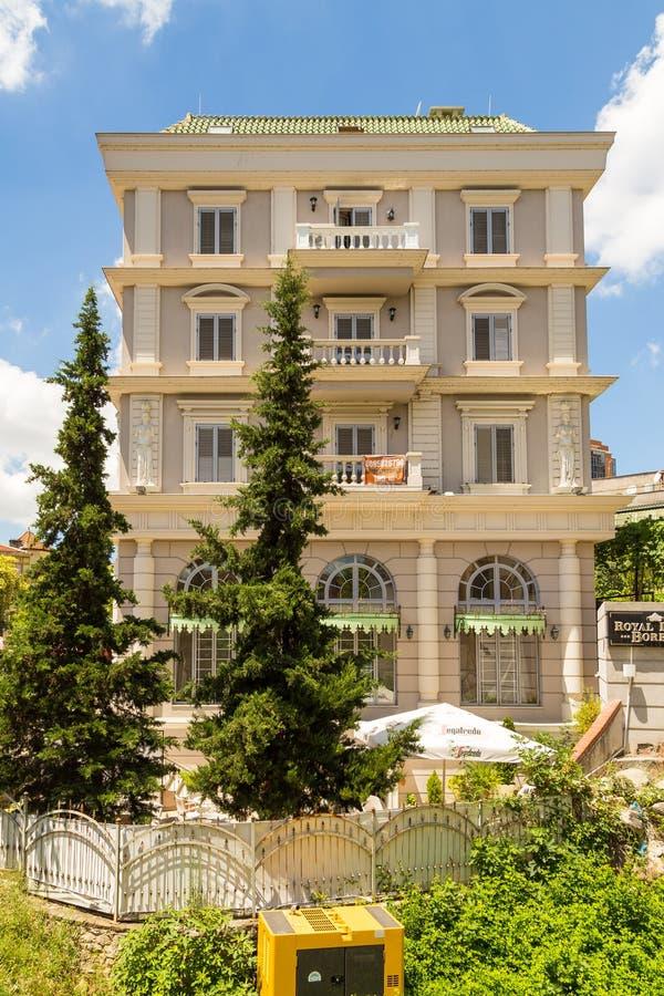 制革工人的桥梁的廉价公寓或者Tabak桥梁,一座无背长椅石头曲拱桥梁在地拉纳,阿尔巴尼亚 库存图片