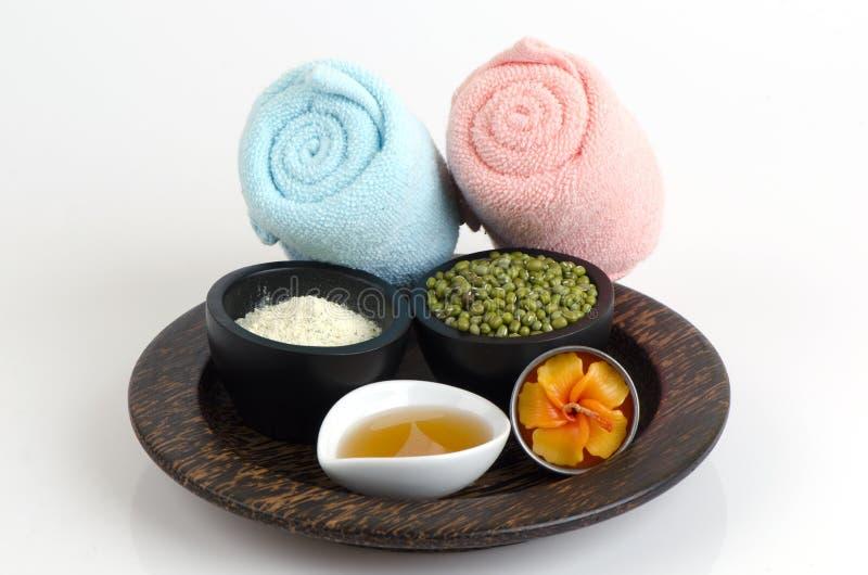 洗刷身体、面罩用青豆,青豆粉末和蜂蜜 库存照片