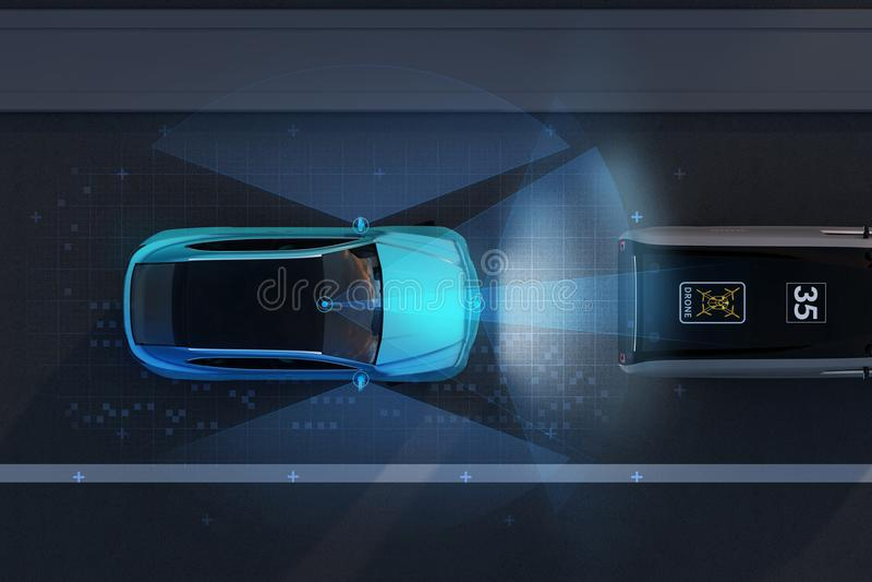 刹车蓝色SUV的紧急状态鸟瞰图避免车祸 免版税库存图片
