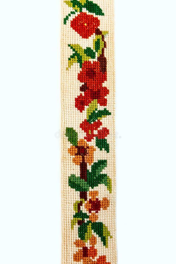 刺绣葡萄酒荷兰被绣的针老红色绿色针线响铃少许伪造了木桶匠铜黄铜十字架 免版税库存照片