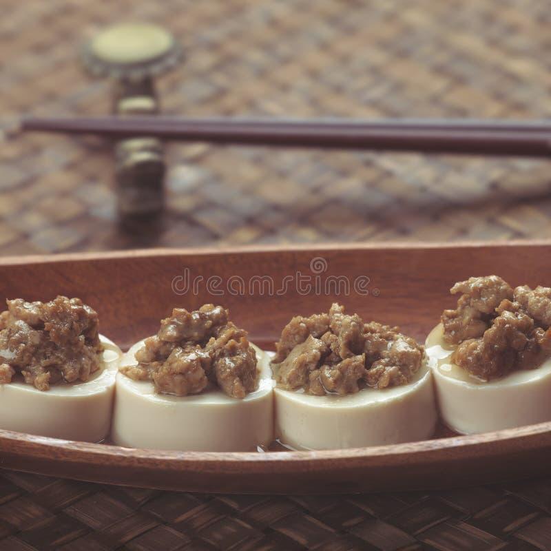 Download 剁碎的猪肉豆腐 库存图片. 图片 包括有 猪肉, 聚会所, 豆腐, 鲜美, 传统, 宏指令, 汉语, 剁碎 - 15694741