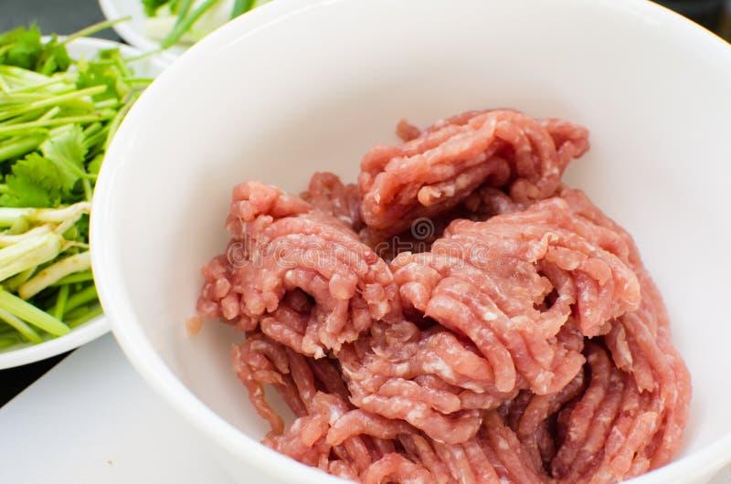 剁碎的猪肉 免版税库存照片