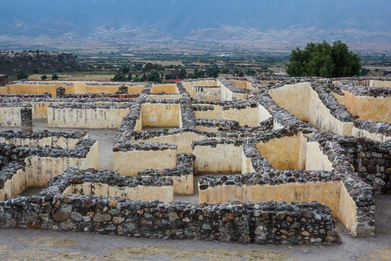 前拉美裔Zapotec镇Yagul,普埃布拉的废墟 免版税库存图片