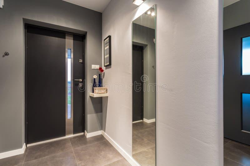 前门-从室内看法 免版税图库摄影