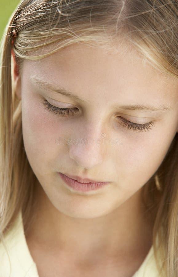 前青少年女孩的纵向 免版税库存照片