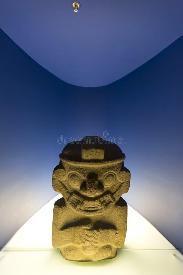 前从波哥大的哥伦比亚的雕象在Musuem 免版税库存图片