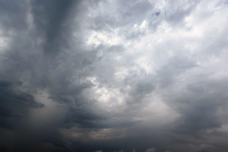 剧烈的多雨天空 图库摄影