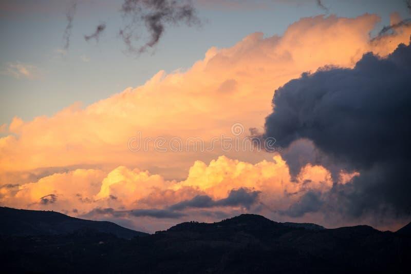 剧烈的天空cloudscape 库存照片