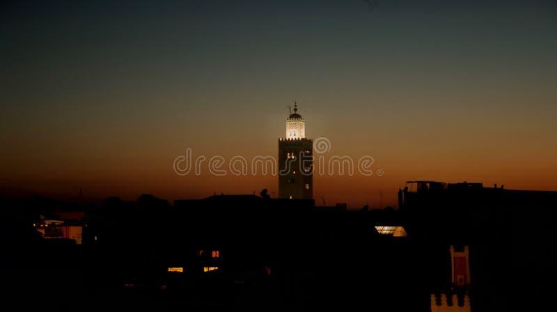 剧烈的日落在马拉喀什 免版税库存照片