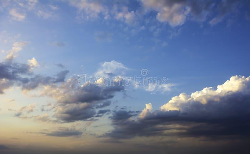 剧烈的cloudscape和skyscape 库存图片