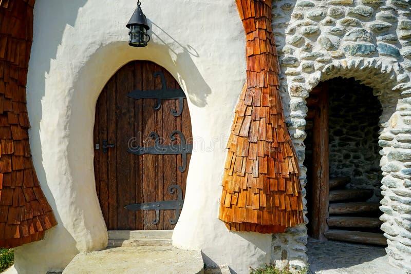 剪报神仙的房子包括了查出的路径传说白色 免版税库存照片