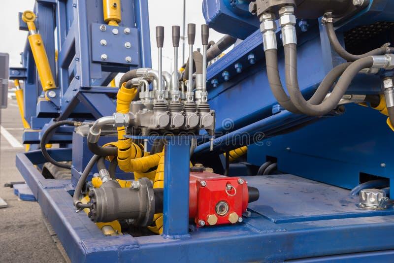 水力管、配件和杠杆在控制 图库摄影