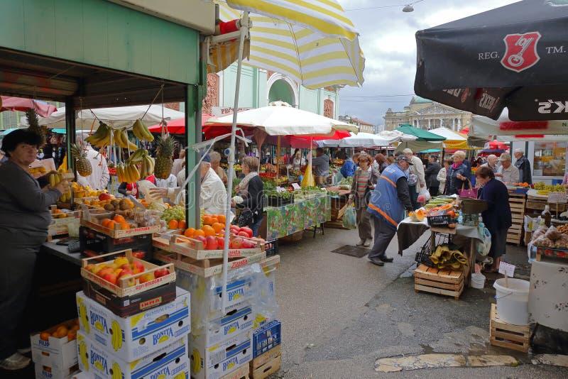 力耶卡农夫市场 库存图片